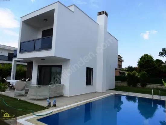Villa For Sale In Cesme Ilica