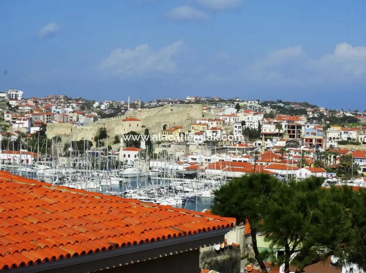 Çeşme' De Satılık Deniz Görür Komple Bina