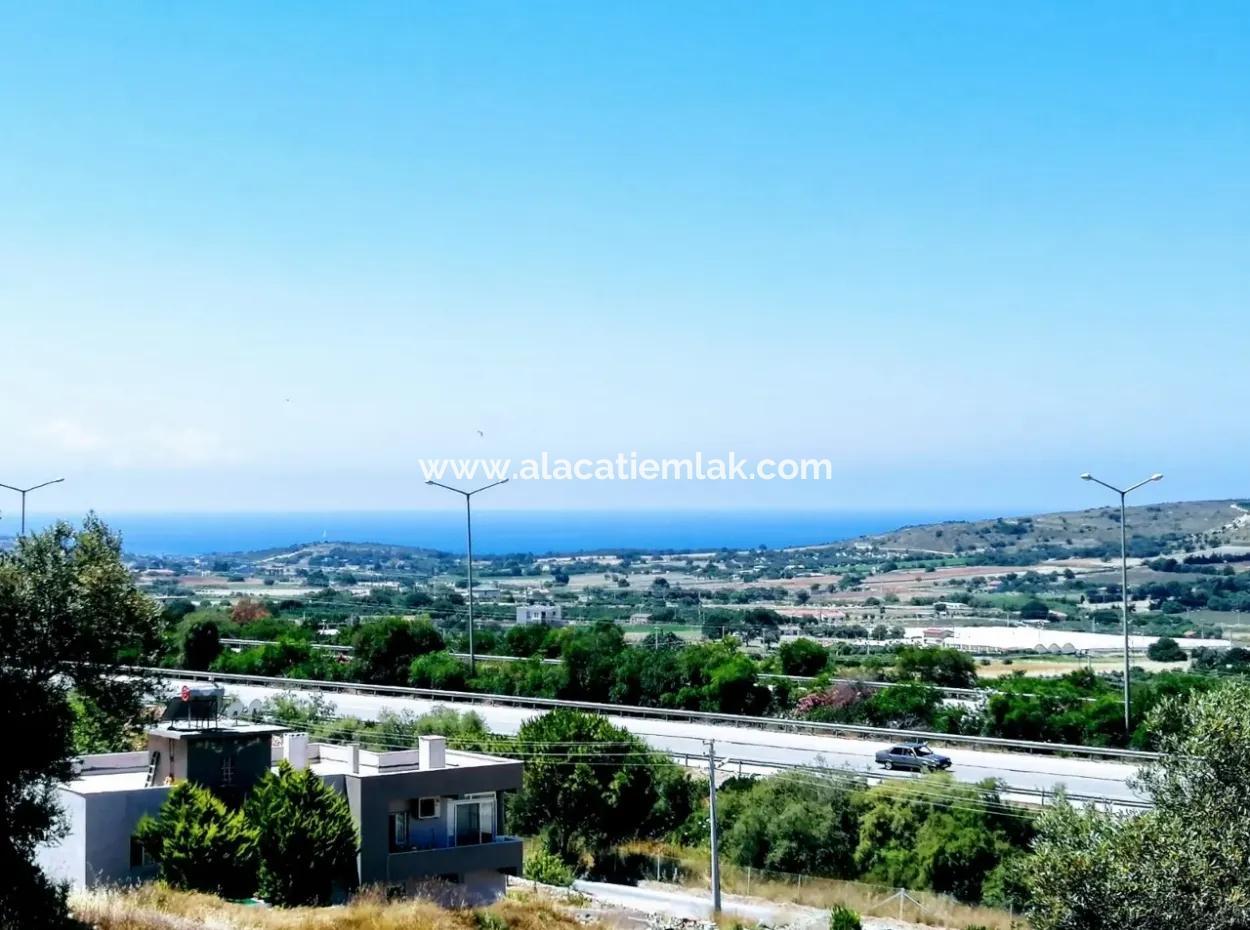 Çeşme'de Satılık Deniz Manzaralı Arsa