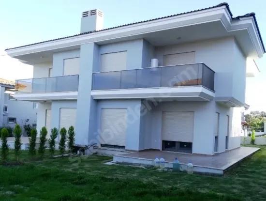 Çeşme'De Satılık Villa Atilla Emlak Çeşme