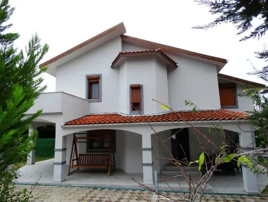 Çeşme Ilıca'Da Denize Yakın Çok Bakımlı Dublex Villa