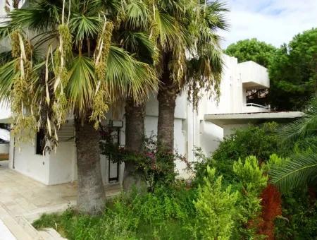 Çeşme Ilıca'Da Oteller Bölgesine Yakın Dublex Villa