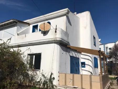 Alaçatı Ilıca Dörtyol Mevkii'Nde Satılık Villa