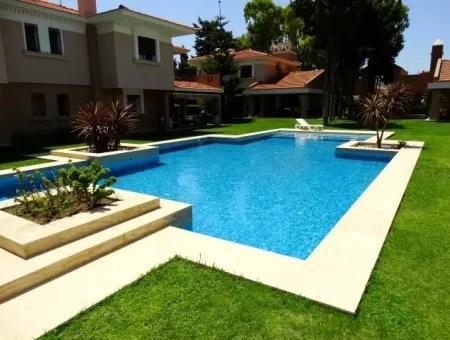 Çeşme Ilıca'Da Denize 50M. Mesafede Lux Villa