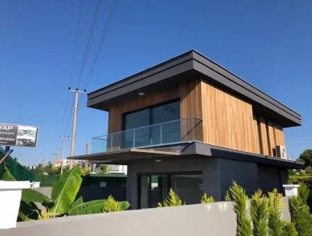 Alaçatı'Da Satılık 4+1 Lüks Müstakil Villa